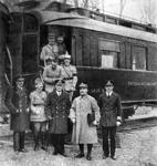 Prvi svjetski rat, COMPIÈGNESKA ŠUMA, Maršal Foch odnosi u Pariz dokumente o kapitulaciji Njemačke u I. svjetskom ratu